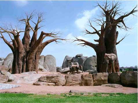 Dos elefantes en Valencia Copia Lambda sobre metacrilato con moldura de aluminio 90X120 cm. Tiraje: 5 + 1 P.A.