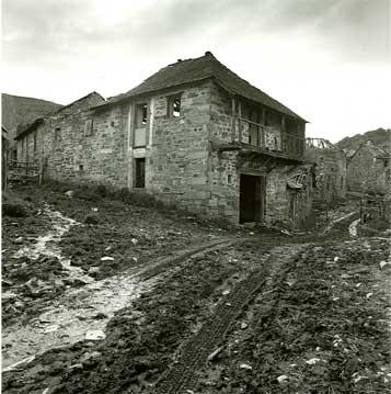 Prada de la Sierra, 2000 (1/5) Copia fotográfica en papel baritado blanco y negro 70X70 cm