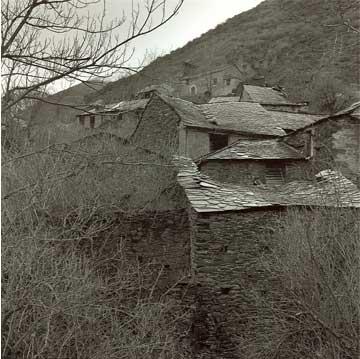 Urdiales de Colina, 2000 (1/5) Copia fotográfica en papel baritado blanco y negro 70X70 cm
