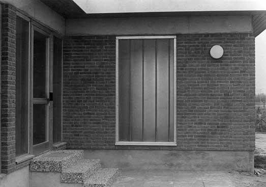Bernd Große  Egmondfenster, 1979 Gelatina de plata - vintage 14,8X20,7 cm.
