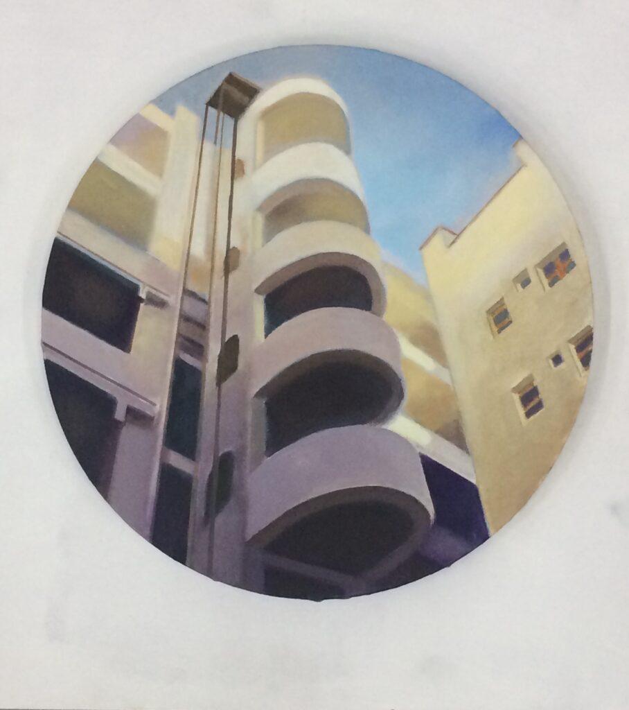 PATIO DE LUZ. Óleo/tela, 30 cm. diámetro